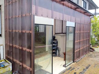 エクステリアリフォーム 雨が防げる見た目もきれいな倉庫