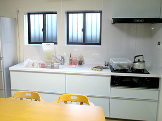 キッチンリフォーム 天井高が低くても開放的でぴったりサイズのキッチン