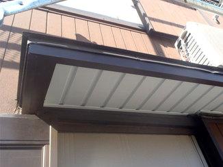 小工事 耐久性をアップさせた軒天の補修