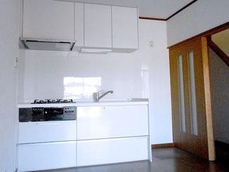 キッチンリフォーム 中古住宅のキッチン・バスルーム・洗面台を今風にリフォーム